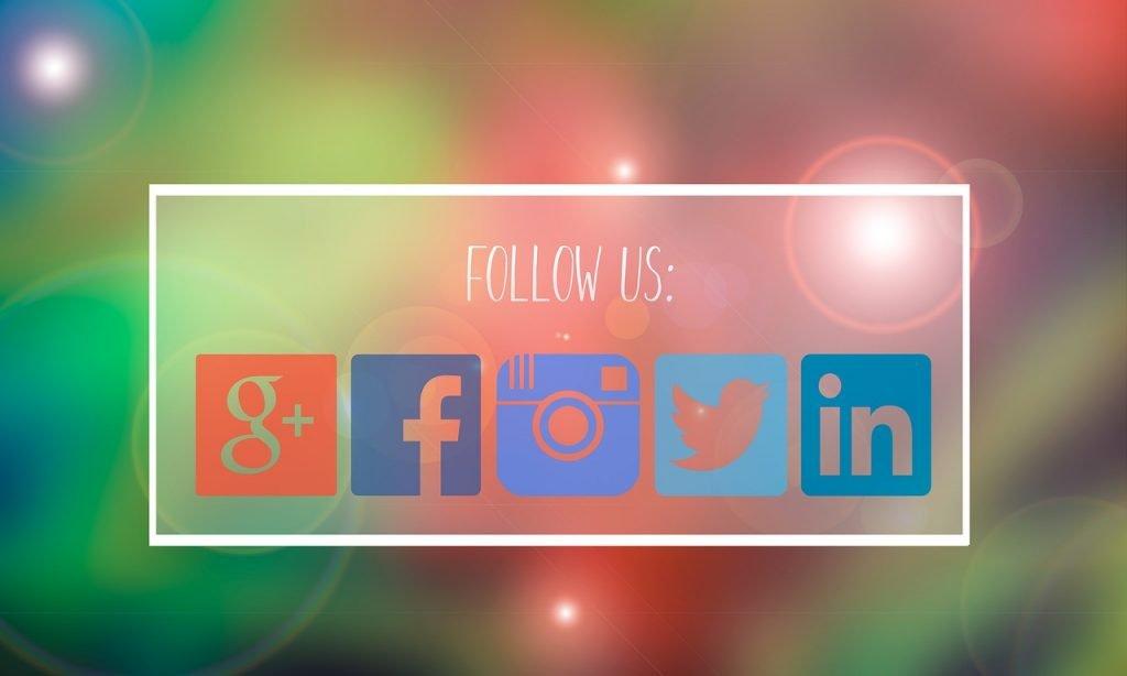 creare un blog di successo con wordpress per la propria home. Ci sono presenti le icone di: google+, facebook, instagram, twitter, LinkedIn